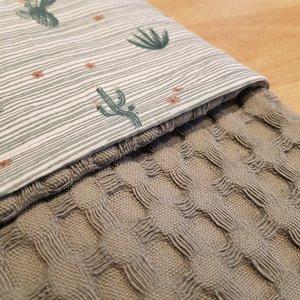 Wandelwagen deken oudgroene wafel met woestijnstofje